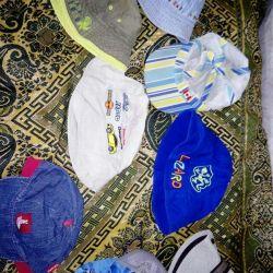 Панамки и кепы