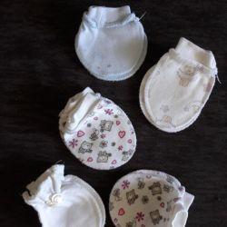 Mittens for newborns