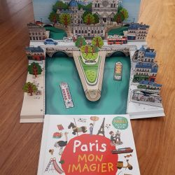 Books in French 2 pcs + gift 3rd