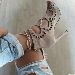 39 lace-up sandals