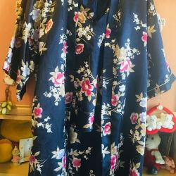 Set used dressing gown, shorts, top