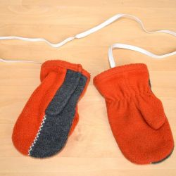 Mittens for children for 2-3 years