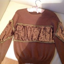 Sweater with paillettes