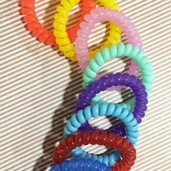 Arcuri de păr elastice