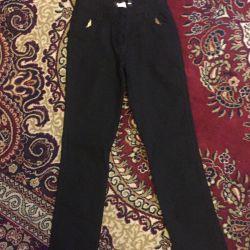 Школьные брюки 10-11 лет.