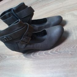 Shoes ideally 38r