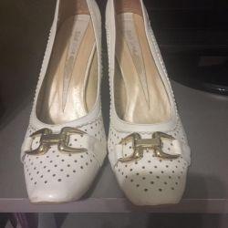 Güzel ayakkabılar.