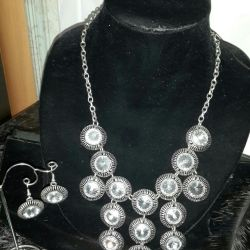 Necklace, brooches, earrings