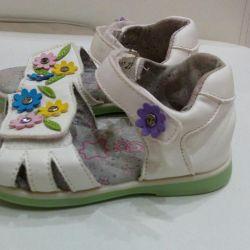 Деские сандали 23 размер