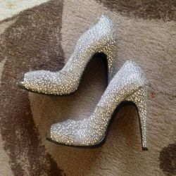 Shoes with crystals size 35