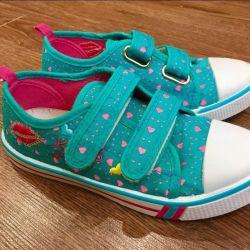 Velcro sneakers for girls