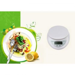 Kitchen scales WH-B05 with a bowl