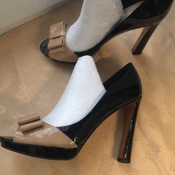 Τα παπούτσια r 38 χρησιμοποίησαν το CARLO PAZOLINI