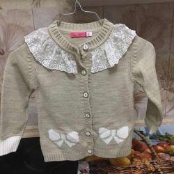 Warm beautiful sweaters for girls