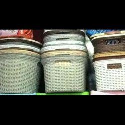 Καλάθι γύρω από πλαστικό ραπανάκι οικιακής χρήσης