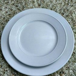 Serving white plate 17.5 cm and 23 cm
