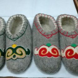 Samovka felted slippers