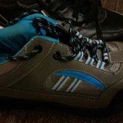 Yeni spor ayakkabı boyutu 39-40, değişim mümkündür