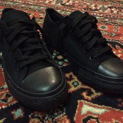 Black sneakers unisex size 37/38/39 (new)