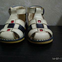 Sandals sandals p.20