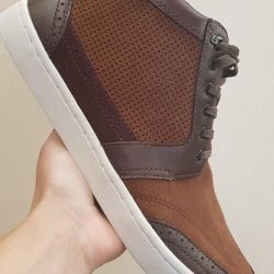 Sneakers Ted Baker p. 42