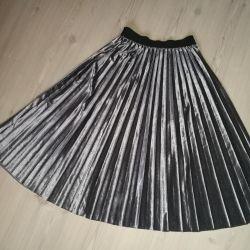 New velvet pleated skirt