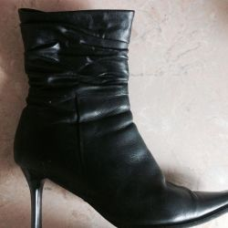 I'll give the boots natural leather