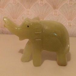 Onyx elephant figurine