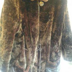 Mouton, ένα παλτό γούνας.