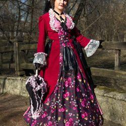 Bornozlu Bayan Takım Elbise (kiralık)
