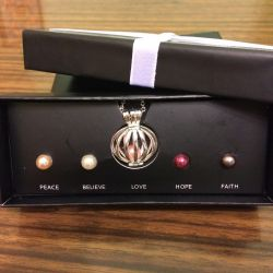 Necklace Pearls NEW