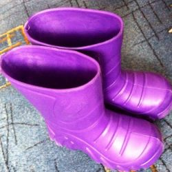 Rubber boots size 28