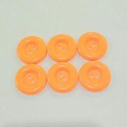 Plastik düğmeler