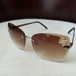 Солнцезащитные новые очки.