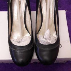 Γυναικεία παπούτσια, μέγεθος 37.