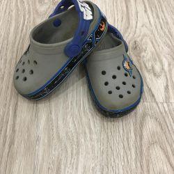 Сабо Crocs светящиеся. Легкие потeртости на носках