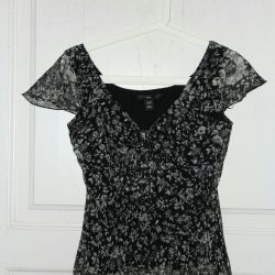 Top chiffon blouse with lining. New. 44r.