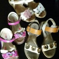 Sandals 26, 31, 33 size, give for chocolate