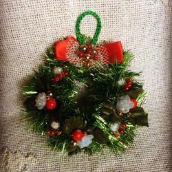 Handmade mici coroane de Crăciun