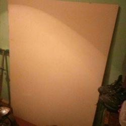 λευκό κυματοειδές χαρτόνι