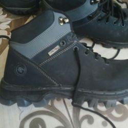 Νέες χειμερινές μπότες ανδρών, 43 φορές.