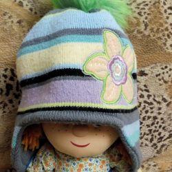 vinde pălăria de iarnă și eșarfă