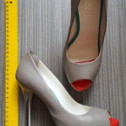Туфли Loriblu бежевые 36 размер