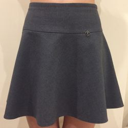 School skirt p. 11-13 years old. 146-152 cm