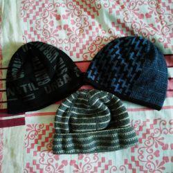 100 ruble için bir oğlan çocuğu için şapkalar