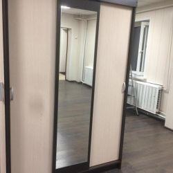 Συρόμενη ντουλάπα με καθρέφτη με παράδοση