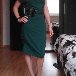 Şık kemerli yeşil elbise Çözüm 44