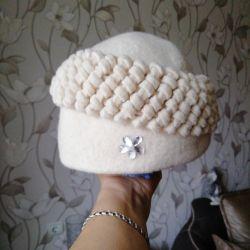 warm felt beret