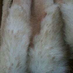Δύο τεχνητά παλτά από δέρμα προβάτου