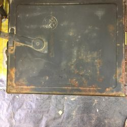 Metal oven for oven